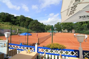 tennisplatz-in-goehren